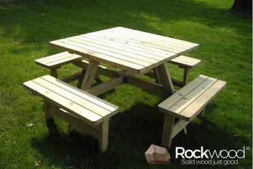 https://afbeelding.rockwoodpicknicktafels.nl/images/outdoor/404/Rockwood_Picknicktafels_Picknicktafel_Vierkant-1_klein.jpg