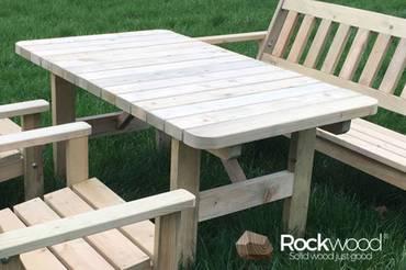 https://afbeelding.rockwoodpicknicktafels.nl/images/outdoor/TTAV/Rockwood_Tuinsets_Tuintafel_Avalon-2_klein.jpg